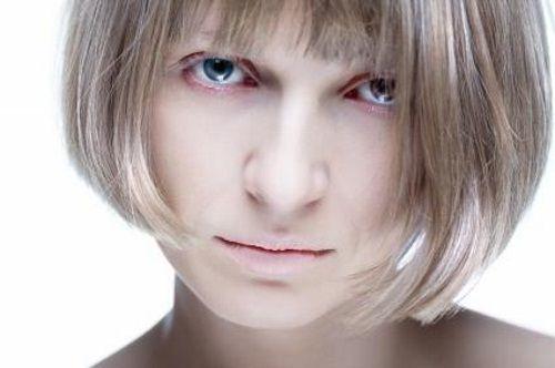 Блідість і сухість шкіри при анемії