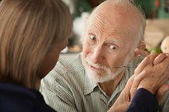 Порушення пам`яті - один із симптомів хвороби Альцгеймера