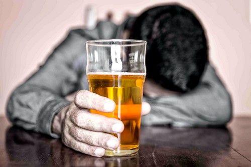 Основною причиною цирозу печінки залишається алкоголізм