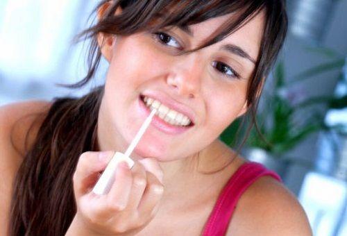 Олівець для відбілювання зубів