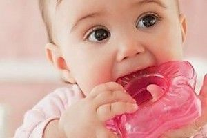 kak pomoch malyshu pri prorezyvanii zubov