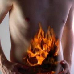 Болі в області шлунка можуть свідчити про захворювання