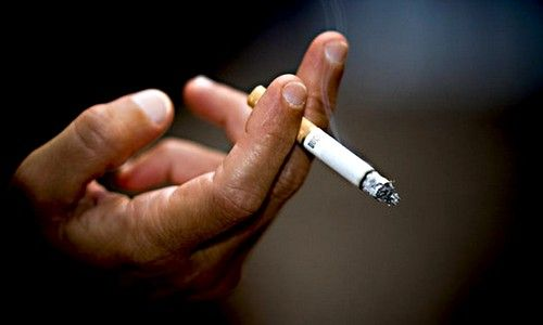 Куріння як причина першіння в горлі