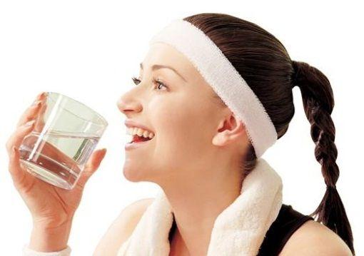 Пити потрібно не менше 2 літри води на добу