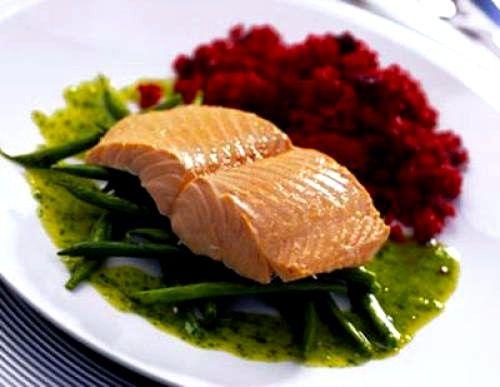 можна включити в раціон нежирну рибу