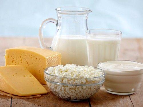 Кисломолочні вироби з високим відсотковим вмістом жиру вживати строго заборонено