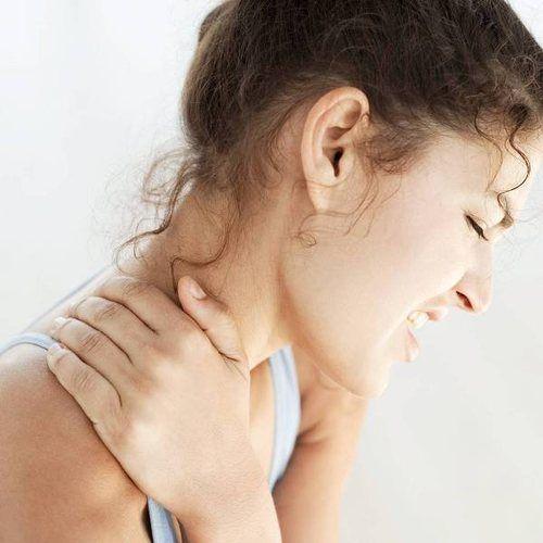 Симптоми шийного остеохондрозу у жінок