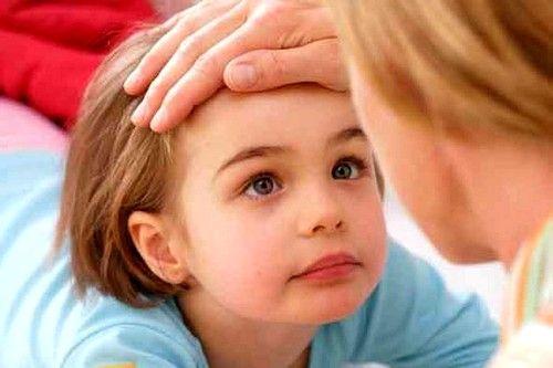 Синці під очима у дитини