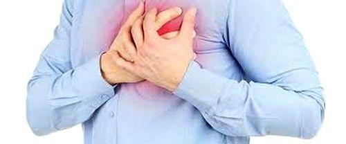 Тахікардія може супроводжуватися болем у грудях