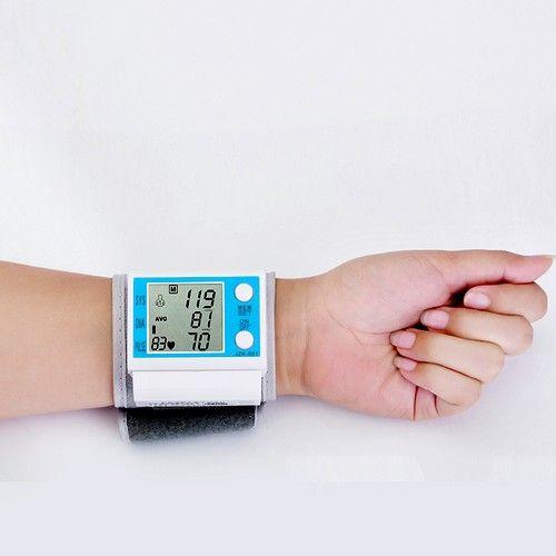 Для пацієнтів молодого віку оптимальний варіант - тонометр для вимірювання тиску через зап`ясті