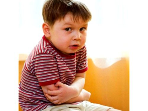 У дитини болить живіт