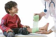 У дитини болять ноги, які причини?