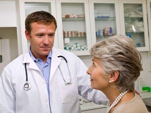 при різких болях слід негайно звернутися до лікарні