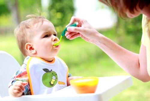 Здоровий новонароджений дитина спорожняє свій кишечник до 5 разів на день